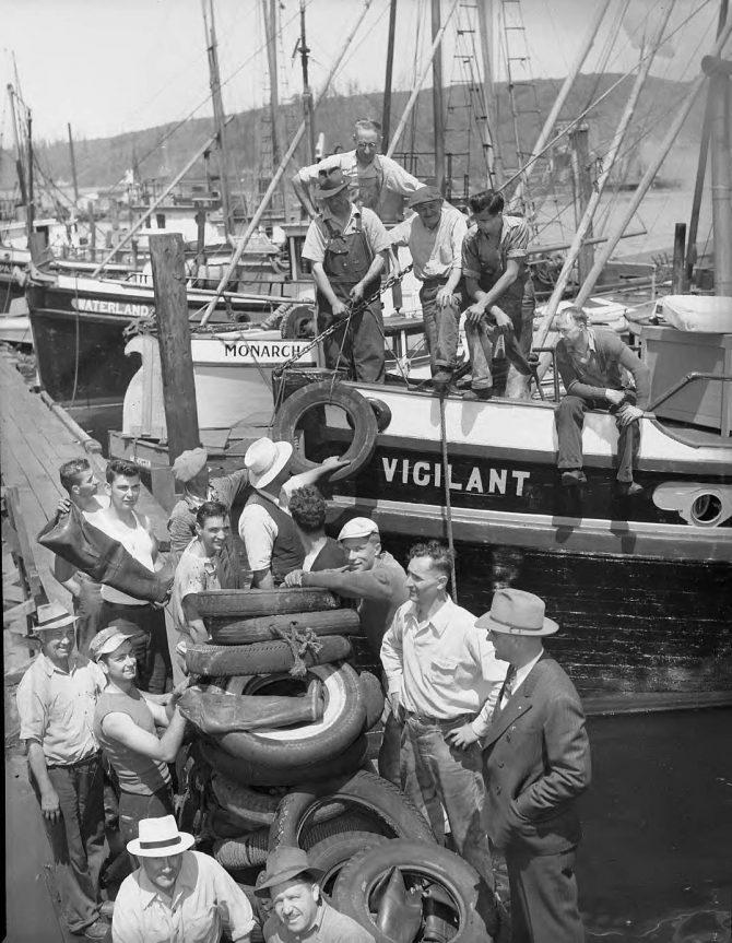 Image of a fishing fleet
