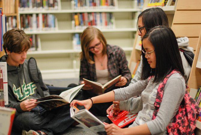 teens-reading