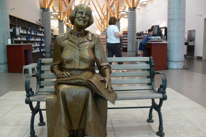 Lois Hole Statue - Lois Hole Library
