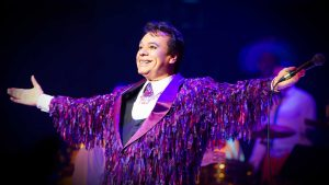 Photo of Juan Gabriel at a concert. Source: juangabriel.com.mx