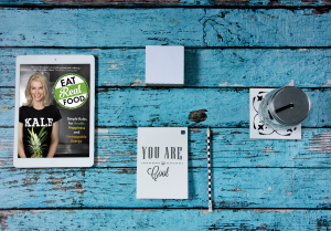 """Eat Real Food"" eBook on tablet. Source: Fotownetrza, Pixabay / CC0."