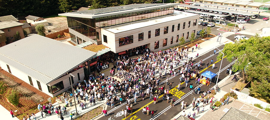 Crowd gathered at the Grand Opening of the new Half Moon Bay Library.