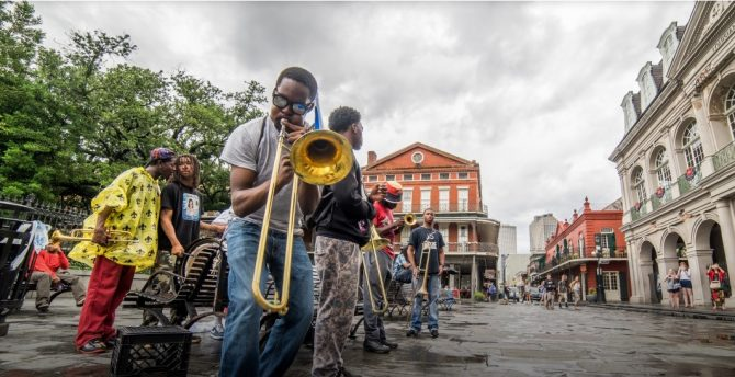 Street performers in New Orleans, Louisiana