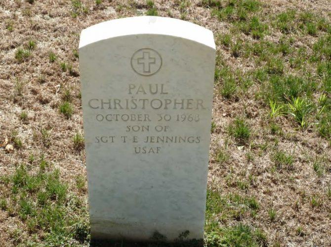 Gravestone at Jefferson City National Cemetery (Defense.gov photo)