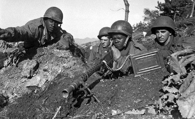 Korean War machine-gun team (Washington.gov photo)