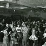 teens dancing
