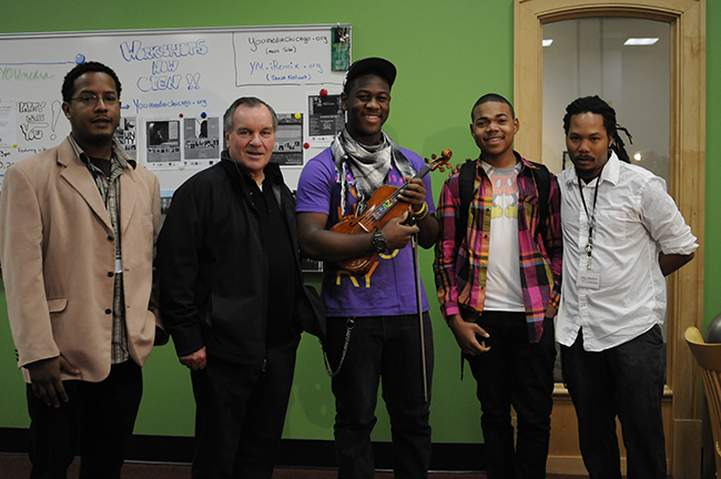 Mayor Richard M. Daley with YOUmedia staff, users