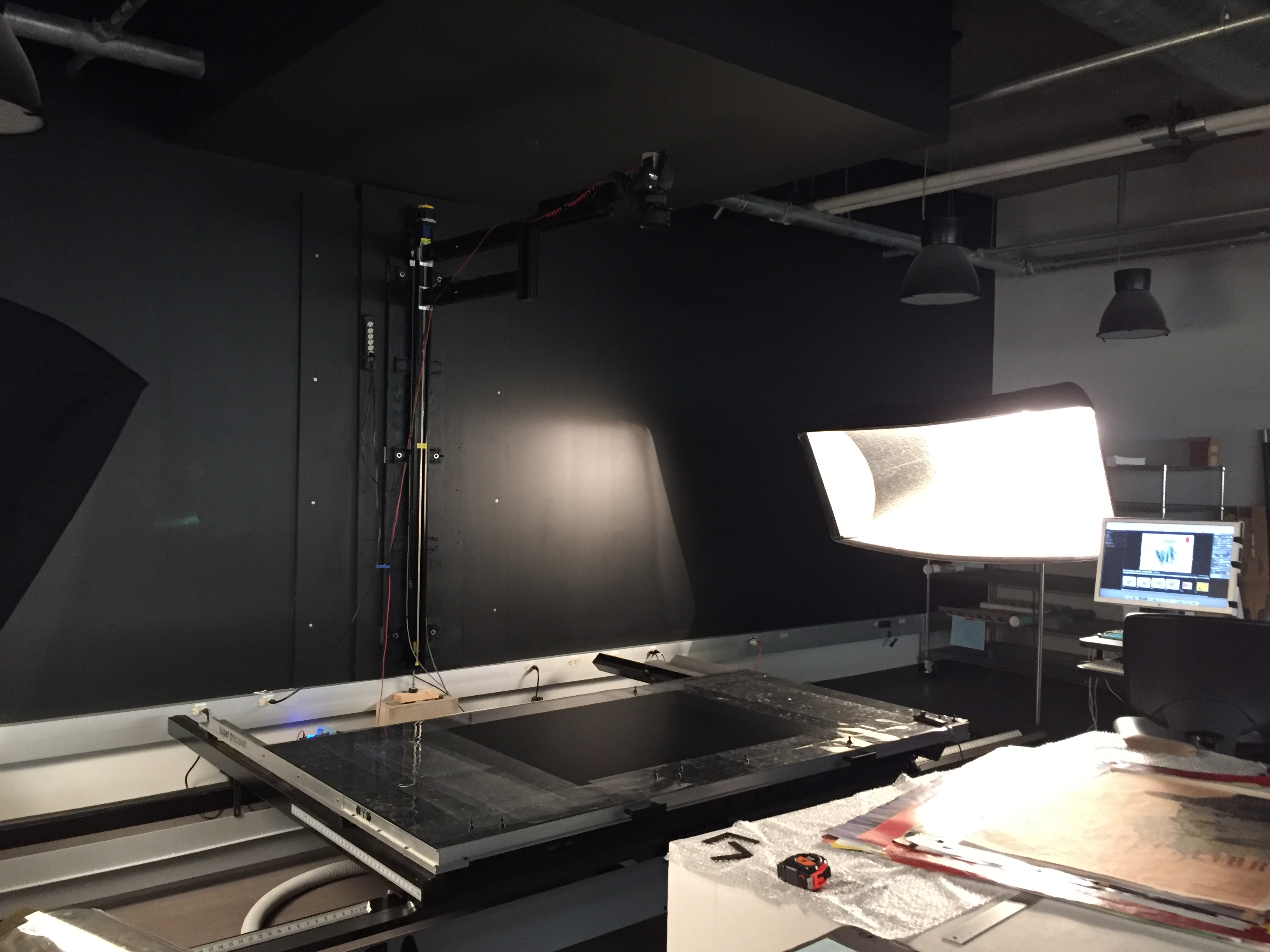 photo of large format scanner