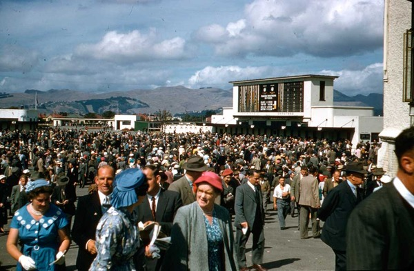 At the races, [1950s], Kete Christchurch At-the-races-2.jpg
