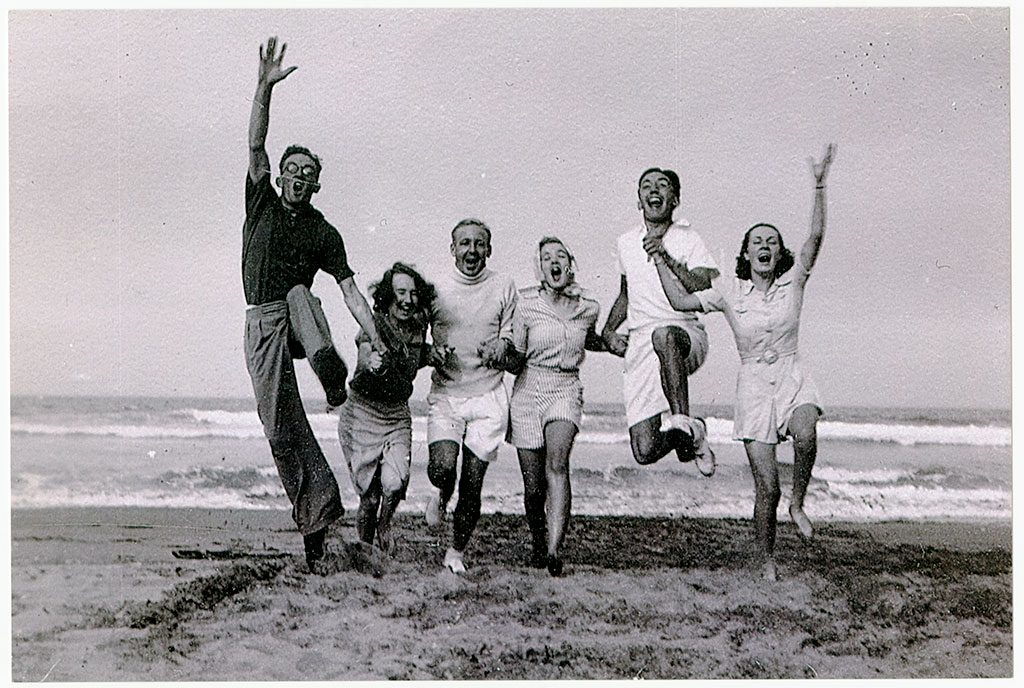 Having fun at Kairaki Beach by Neroli Mortimer. Kete Christchurch PH16-118.jpg
