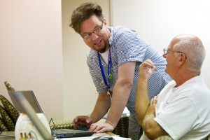 Staff providing Job Help to a customer