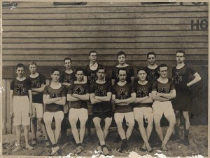 Ivanhoe Harriers in the year of formation 1914 (Photo Heidelberg Historical Society in partnership with Yarra Plenty Regional Library)