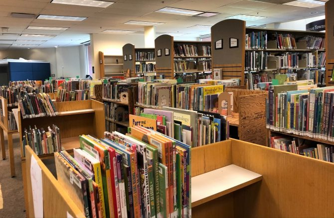 042921_maze of books