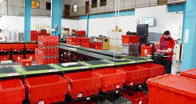 Distribution Center sorter - Eye level
