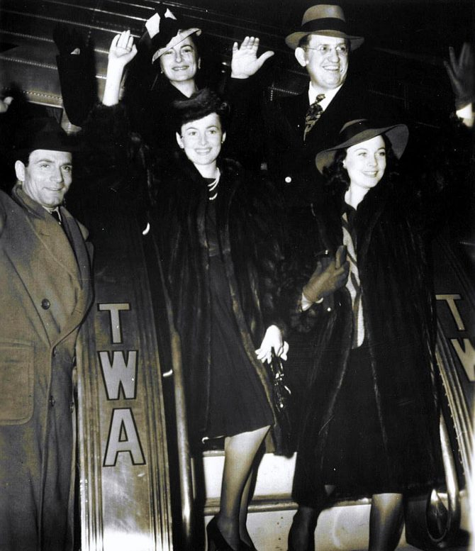 CENTRAL - MARGARET MITCHELL arrival in atlanta